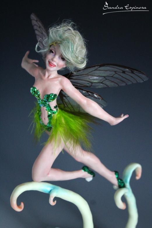 Tinkerbell flying_00