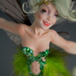 Tinkerbell flying_14